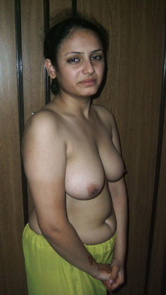 Married indian muslim girl sonya nude big boobs pussy leaked photos