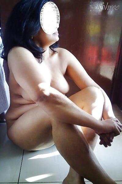 Wife Nude