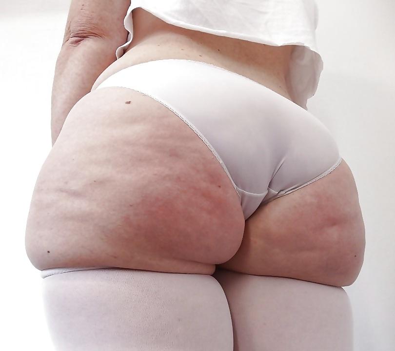 Фото поп девушек в обтягивающих штанах милая сексуальная