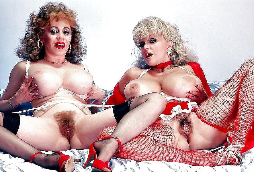 Дрочат друг голые женщины фото с порножурналов