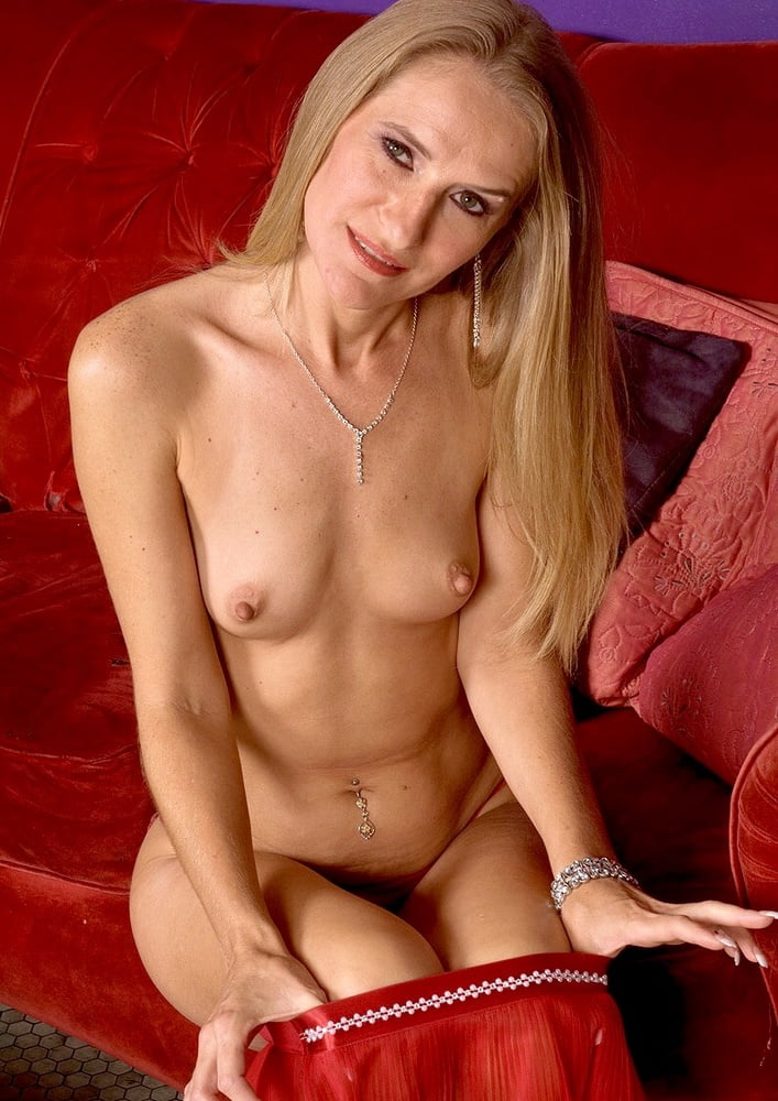mature-brandy-smith-nude-gallery