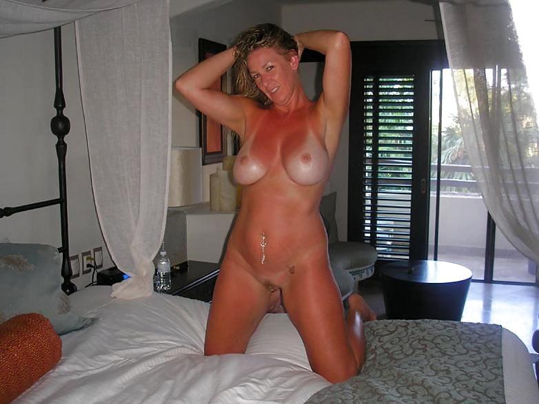 Sexy Older Milf Milking Cock