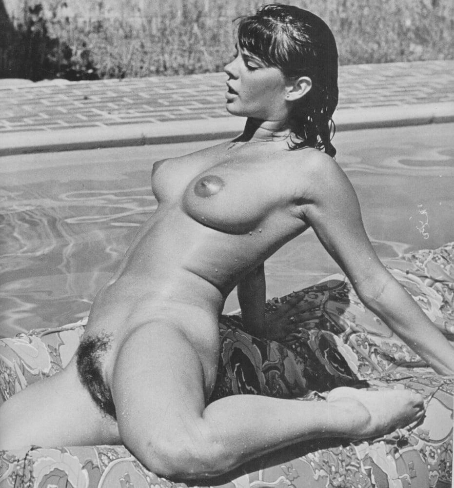 Retro Tits 78 - 10 Pics