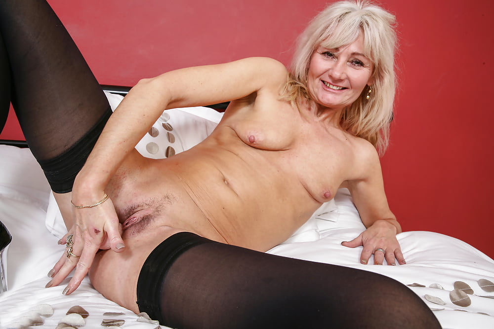 Nude Women Mature Free Pictures Pussy
