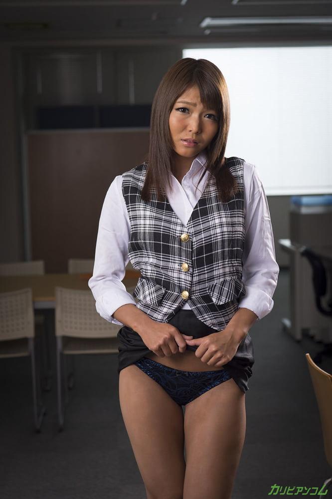 Shino Aoi :: Surrender Of Mature OL - CARIBBEANCOM - 33 Pics