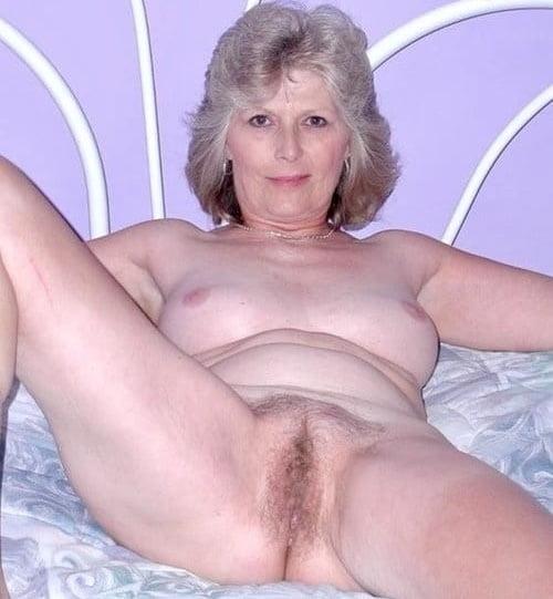 amateur latina sucking dick add photo
