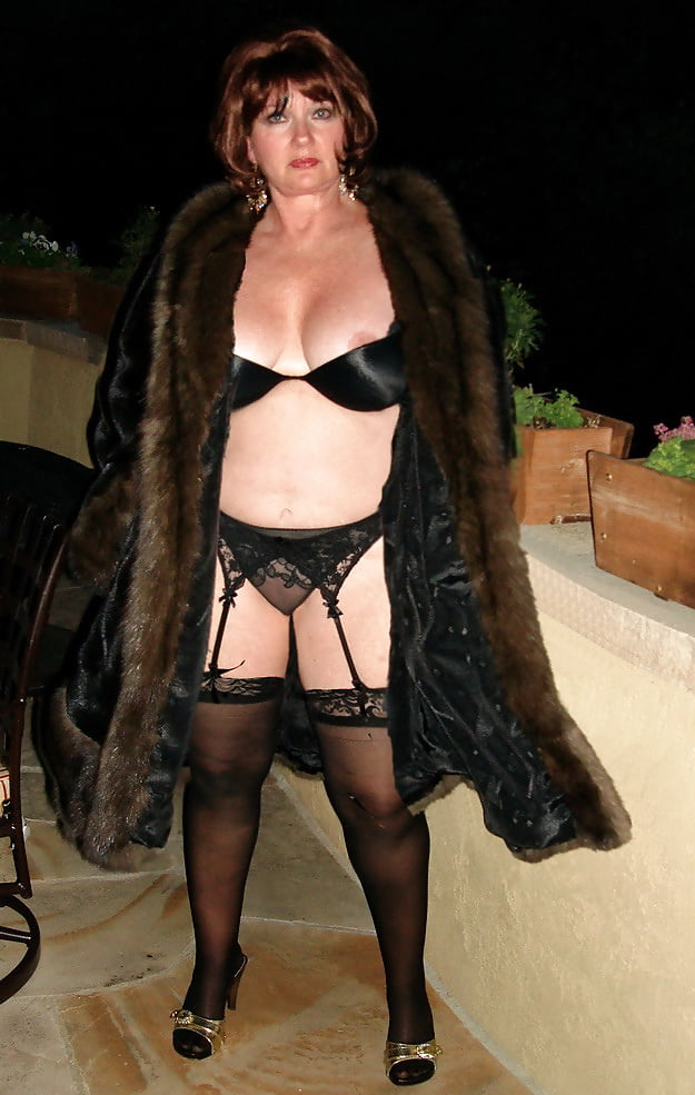 Fur Coat And No Knickers Porn Spankbank 1