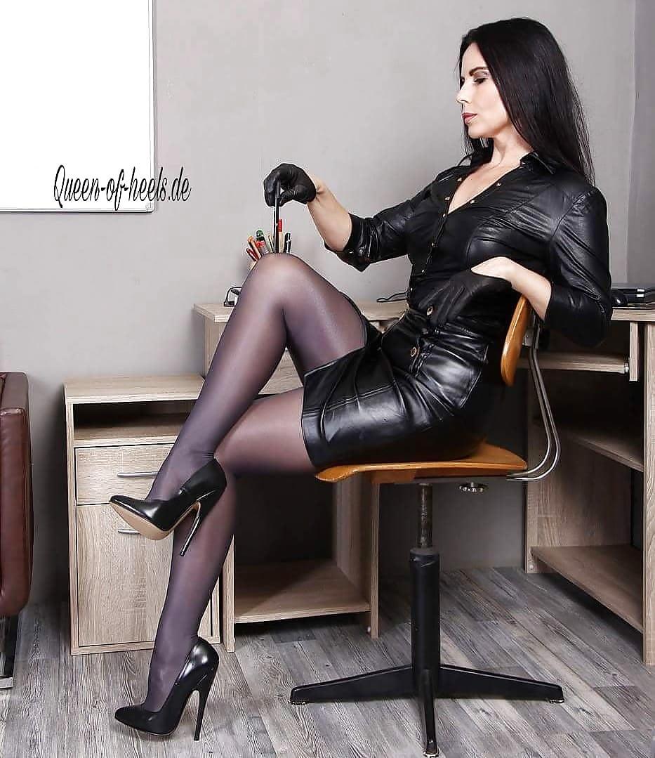 Germanmature nylon high heels legs free xxx galeries