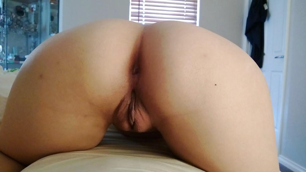 head-down-pussy-up-manikin-naked