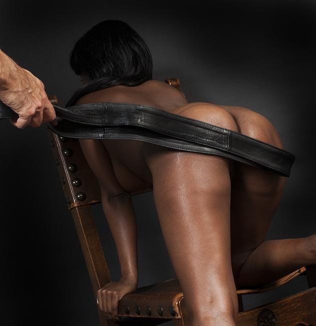 Whip spank female negro black — img 7